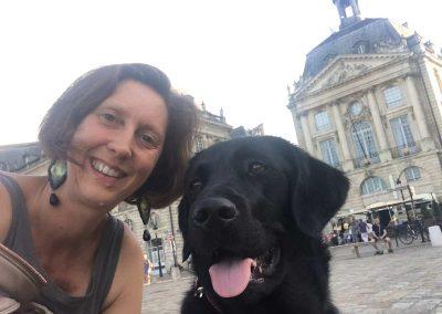 Muriel-Joubert-et-Moonchien-guide-à-Bordeaux