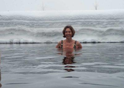 muriel-joubert-vivre-en-yoga-Yoga-Toumo-bain-froid-sous-neige