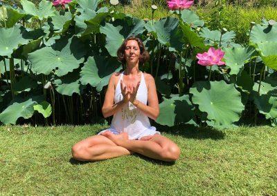 muriel-joubert-posture-de-yoga-Lotus-padma-mudra